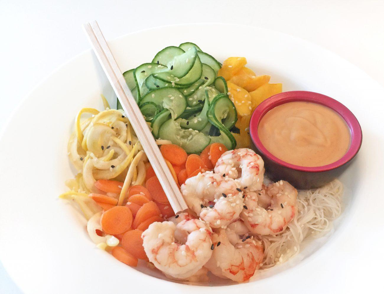 Salade sushi dans un bol